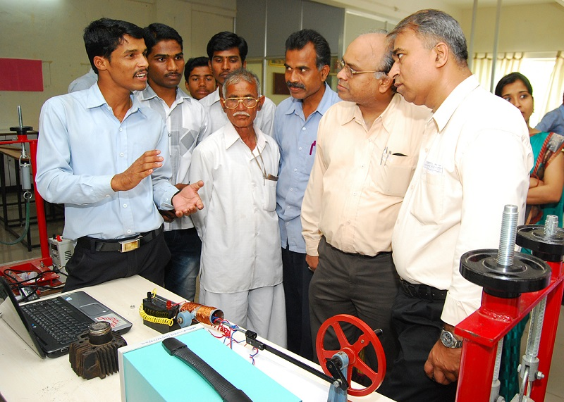 Project on Electricity generation using Piston cylinder